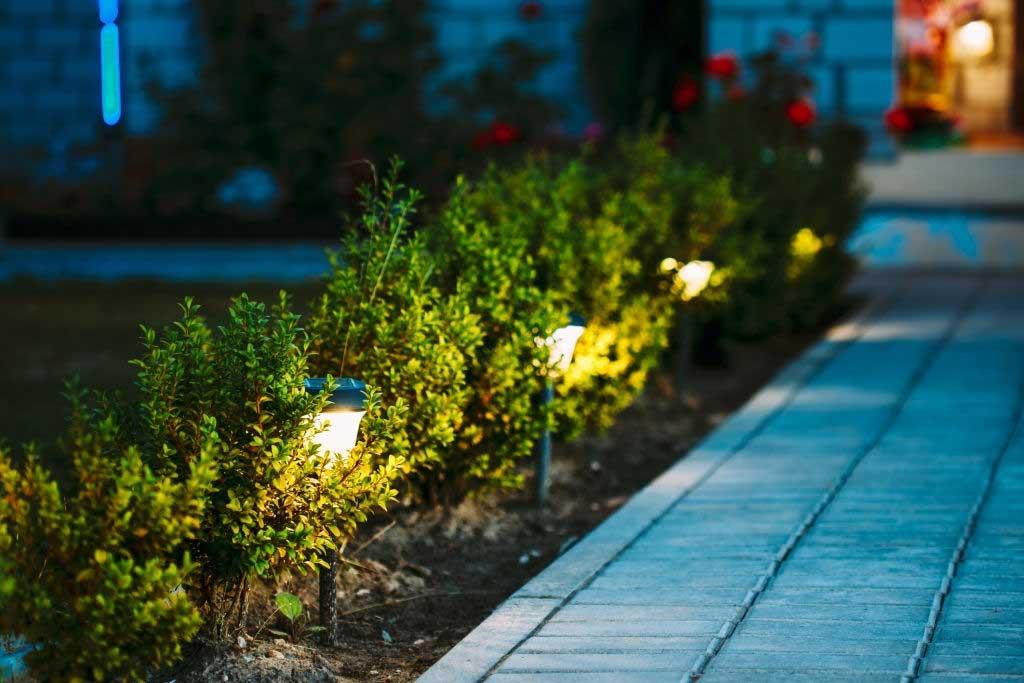 solar-garden-lights